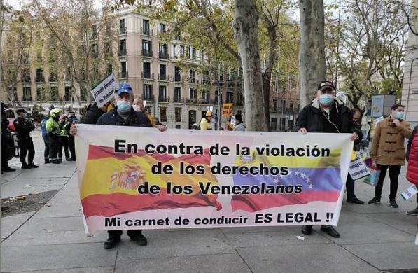 Protesta por el carnet de conducir venezolano en españa